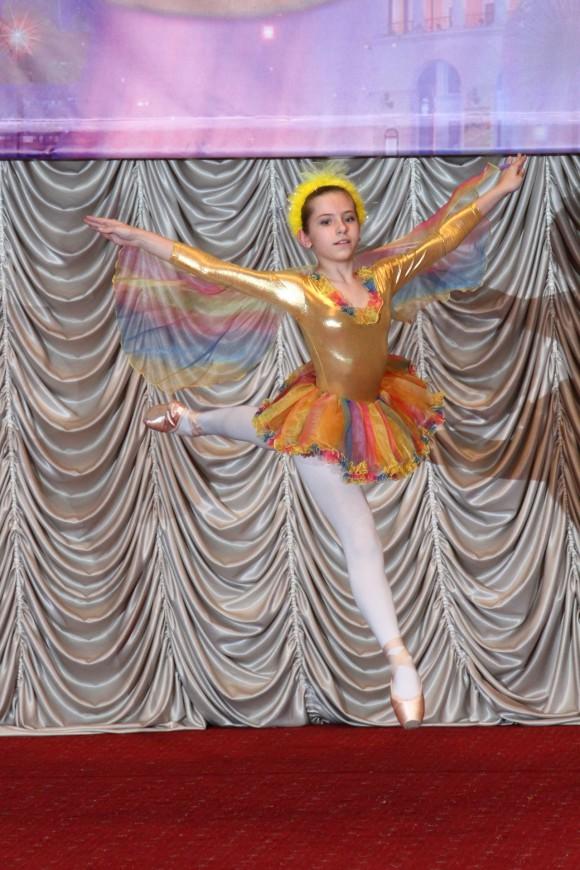"""Возрастная категория 7-9 лет Столетняя Мария, соло (шоу-балет """"Антре""""), г.Киев Лауреат 1 степени, классический танец"""